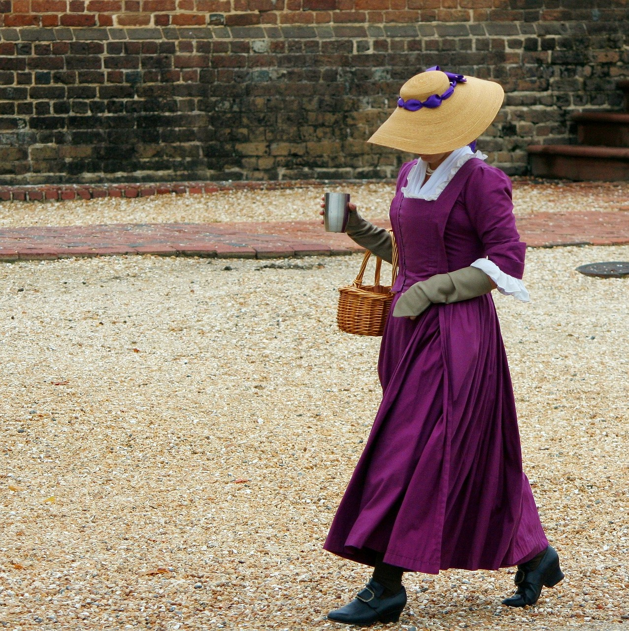 the secrets to authentic costume victorian dress lady
