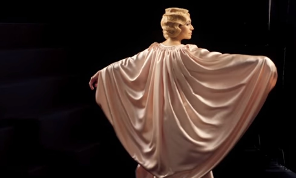 V&A exhibition Ocean Liners Speed and Style recreates grande descente of fashion 1920s eveningwear