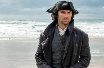 First Glimpse of Poldark's New Costume (And Without It…)