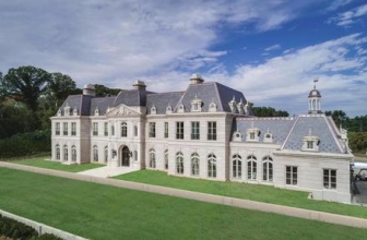Step Inside Long Island's Own Versailles Palace