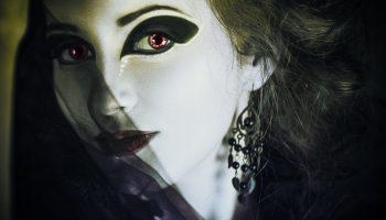 How To Buy Halloween Costume Contact Lenses